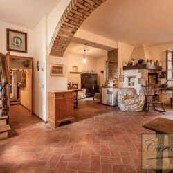 House with Olives and Vineyard near Montepulciano 6