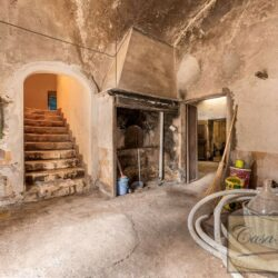 Country House with 17 Hectares To Restore 30