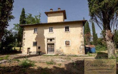 Villa near Sarteano to Restore with 17 Hectares