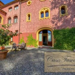 1 Bedroom Apartment in an Amazing Historic Castle2