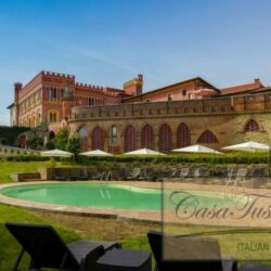 1 Bedroom Apartment in an Amazing Historic Castle3