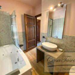 1 Bedroom Apartment in an Amazing Historic Castle8