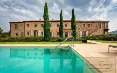 Luxury Restored Farm with 98 Hectares near Volterra